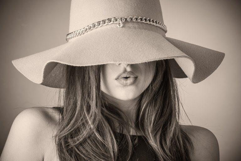 Read more about the article Est-ce que l'on peut dire qu'une femme est belle ?